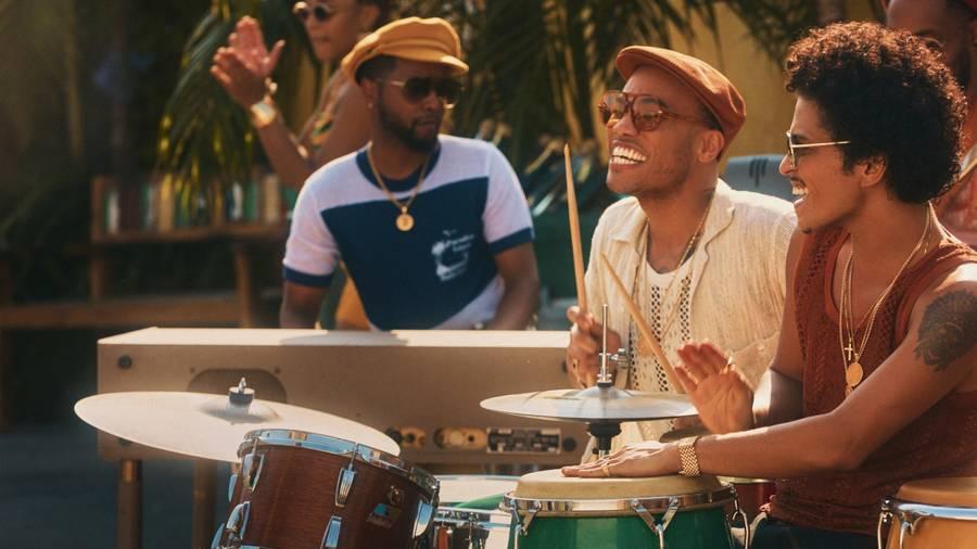 Bruno Mars et Anderson .Paak se dorent la pilule