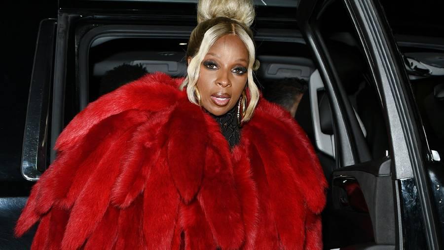 Mary J. Blige, Burna Boy, Lil Kim… Les célébrités présentes au défilé Bottega Veneta printemps-été 2022