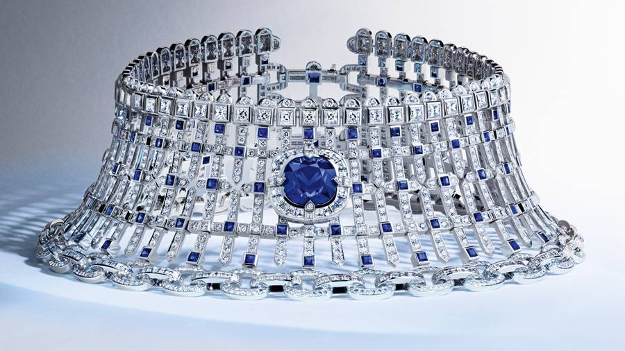 """""""Riders of the Knights"""": a diamonds armor by Louis Vuitton"""